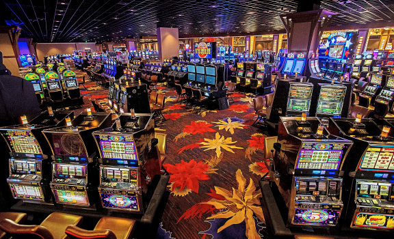 These 10 Hacks Will Make You(r) Online Casino Like A professional